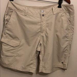 Columbia Omni Shade Protection Shorts SZ 10